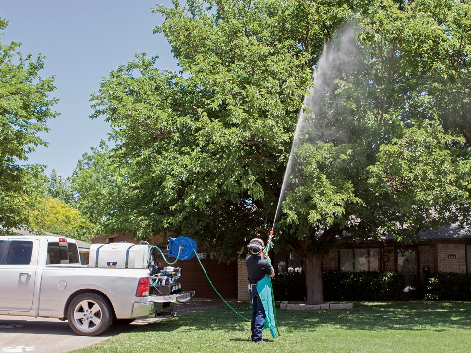 Spray Trees Turf And Landscape With The Wylie Sprayer